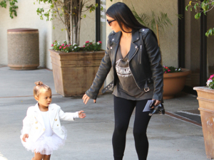 Kim Kardashian anuncia gravidez em pleno reality show