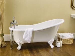 Lá em Casa: a banheira no estilo vitoriano da Doka Bath Works