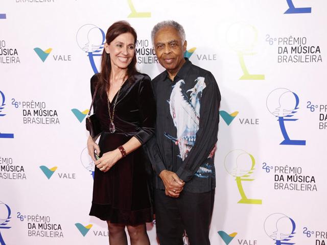 Flora e Gilberto Gil no Prêmio da Música Brasileira    Créditos: Agnews