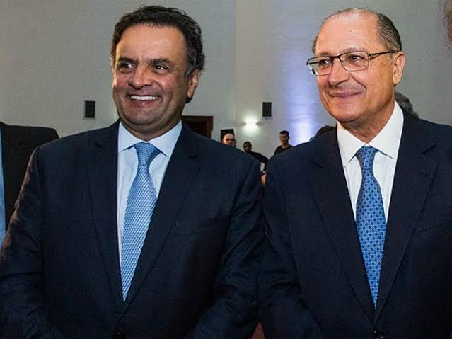 O presidente nacional do PSD, Aécio Neves e o governador Geraldo Alckmin || Créditos: Agência Brasil
