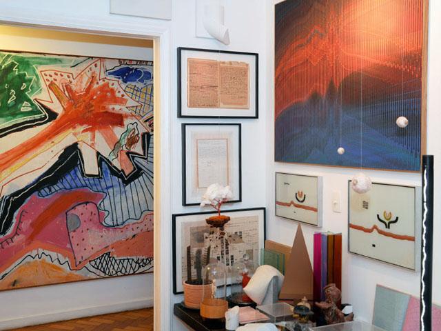 Um pedacinho da sala do apartamento dos irmãos    Créditos: Juliana Rezende