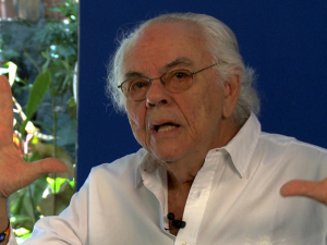 """Produtor de """"Terra em Transe"""", Zelito Viana é homenageado em Gramado"""