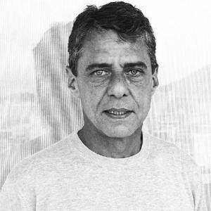 Chico, Ney, Sônia Braga e cia. em retratos de Mario Canivello