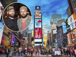 Arte de Otávio e Gustavo Pandolfo vira animação na Time Square