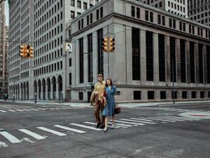 Fotógrafa cria série sobrepondo imagens antigas com atuais de Detroit