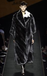 Fendi pode vender casaco de pele por R$ 3,45 milhões
