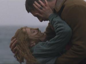 Florence + The Machine lança curta com drama e nudez. Play já!