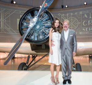 Com Alessandra Ambrosio e Norah Jones, Rimowa entra pra aviação