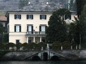 George Clooney deve vender sua mansão na Itália por US$ 100 milhões