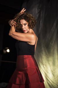 Ex-bailarina, atriz Ângela Vieira volta aos palcos… e dançando