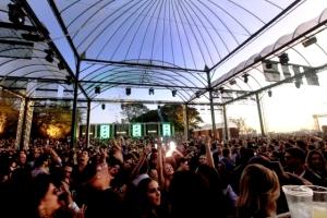 Polo Party reúne glamurettes no interior de SP ao som de house music