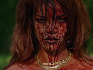 Rihanna ataca de diretora em clipe com nudez e violência