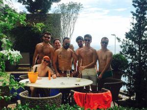 Yan Acioli arma festa de aniversário em Salvador com Sabrina Sato