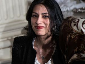 Huma Abedin: saiba mais sobre a mulher por trás de Hillary Clinton