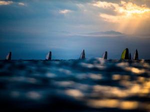 Glamurama enfrenta uma regata da Semana de Vela de Ilhabela