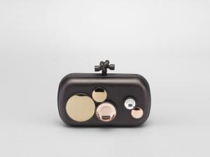 Desejo do Dia: mire-se na clutch Multispheres Bottega Veneta