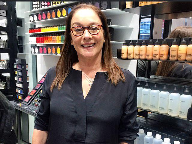 Francesca Tolot durante coletiva de imprensa na nova loja da Mac, na Paulista || Créditos: Arquivo Pessoal