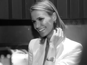 Renata Kuerten dá pivô em desfile e entrega dieta