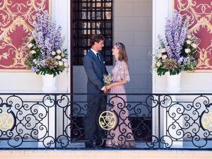 Beatrice Borromeo e Pierre Casiraghi se casam em Mônaco