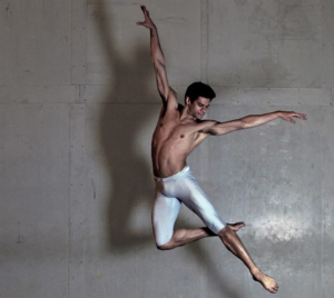 Alice Braga prepara documentário sobre bailarino Thiago Soares