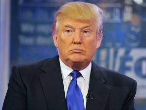 Donald Trump posta imagem com soldados nazistas na Casa Branca