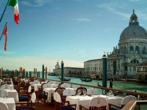 Glamurama lista 13 restaurantes com lindas vistas para o mar