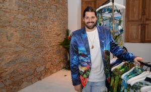 Thomaz Azulay lança sua marca ao lado de glamurettes no Rio