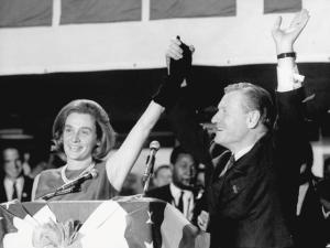 Revista PODER: o amor de Nelson Rockefeller pelo Brasil e pelo sexo oposto