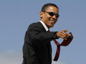 Obama chega aos 54 anos com popularidade alta e… algumas gafes