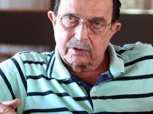 Carlos Araújo, ex-marido de Dilma, sai em defesa da presidente