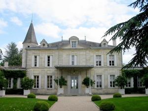 Bernard Arnault é o mais rico dono de castelo do mundo. Os outros?