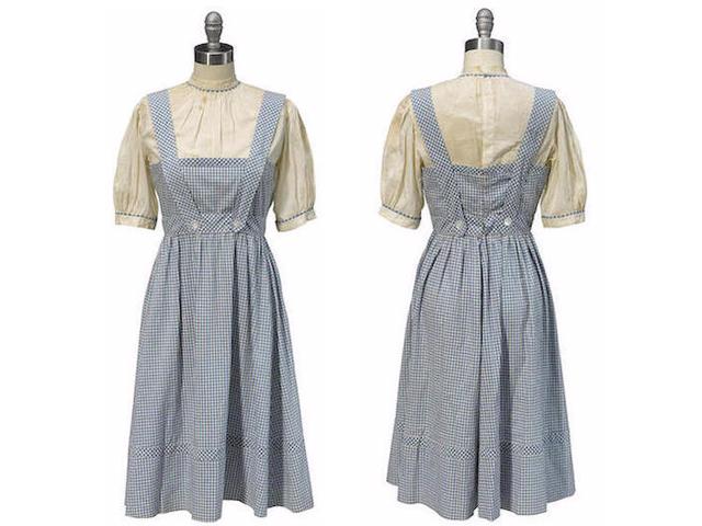 O vestido original que vai a leilão  ||  Créditos: Reprodução