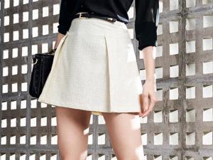 Saia e camisa + preto e branco para uma terça-feira certeira
