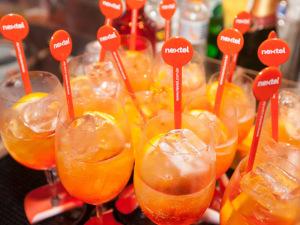 Nextel e seus drinks coloridos na festa de 15 anos do Glamurama