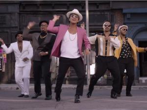 Internauta usa 280 filmes para recriar música de Bruno Mars