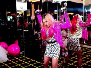 Com seu mais novo clipe, Madonna lança tendência. Descubra!
