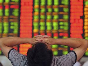 Os efeitos e os afetados da drástica queda da bolsa chinesa