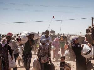 Glamurettes armam encontro em SP para definir ajuda aos refugiados sírios