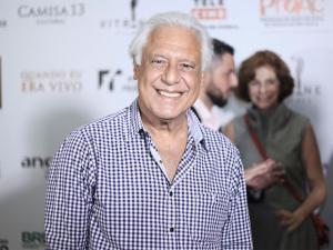 Antonio Fagundes quer saber quando série já gravada vai ao ar…