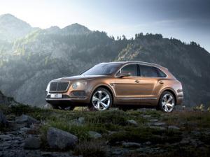 Novo SUV da Bentley tem relógio Breitling. Rainha Elizabeth já tem o dela!