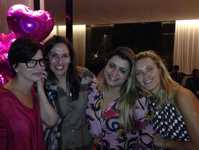 Carla Bensoussan, Flora e Preta Gil com a aniversariante
