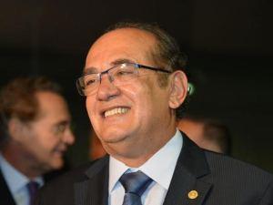 PT delibera criticar Gilmar Mendes, que não tem se abalado