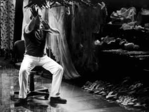 Giorgio Armani lança livro com fatos inéditos de sua vida e obra