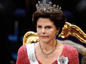 Amizade da Rainha Silvia com brasileira preocupa a Suécia