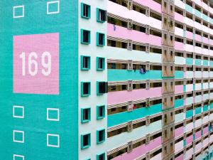 Conheça os prédios que colorem a paisagem de Singapura