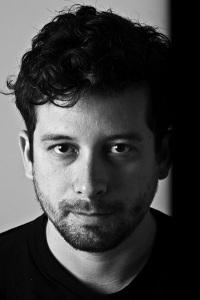 Escritor JP Cuenca dirige filme depois de descobrir que foi dado como morto