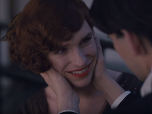 Eddie Redmayne vive nas telonas o papel da transexual Lili Elbe