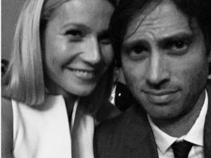 Enfim, Gwyneth Paltrow e Brad Falchuk assumiram o romance