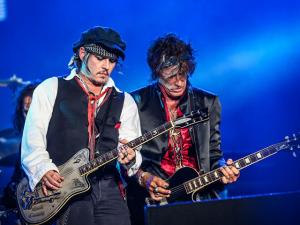 Johnny Depp no palco, famosos no espaço SKY: vem saber!