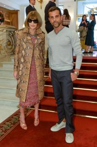 Anna Wintour e Carine Roitfeld prestigiam o desfile de Alexandre Birman Paris